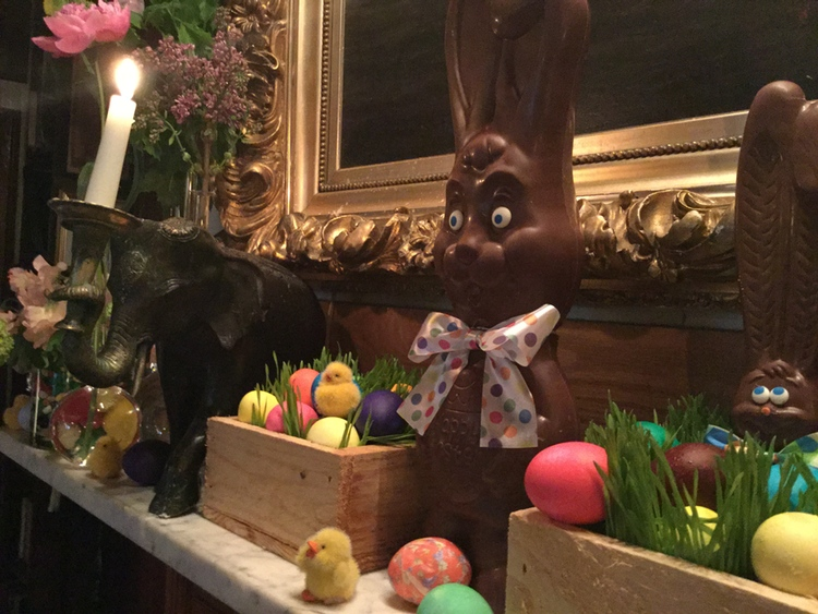 hamptons easter decor