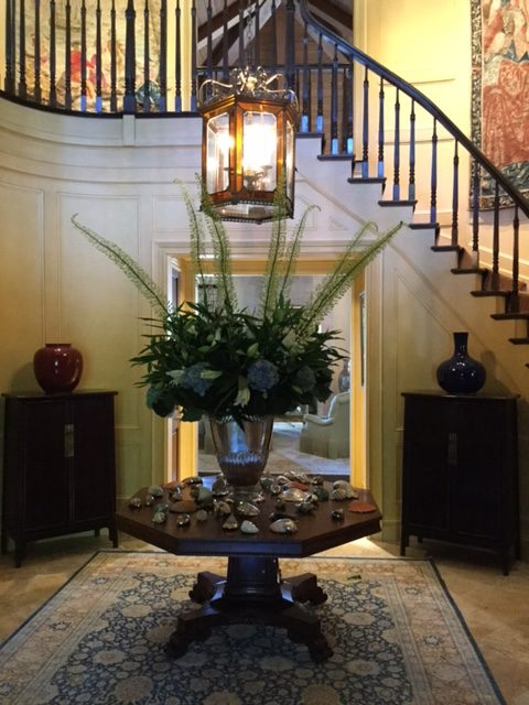 grand entrance staircase arrangment